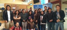 Estudiantes hacen entrega de canastas familiares para usuarios de Cesfam