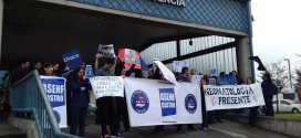 Enfermeros del hospital de Castro se suman a manifestación nacional