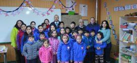Alumnos de la escuela rural Santa Rosa de Choen reciben reconocimiento