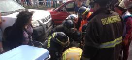Dos personas resultaron heridas este domingo tras sufrir un accidente de tránsito